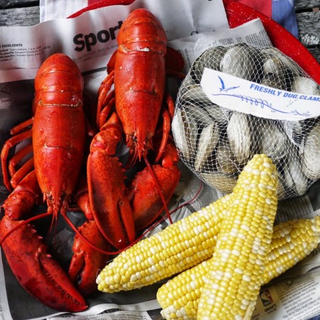 New-England-Lobster-Roll-Recipe-Clam-Bake-Buggy-Designs3